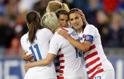 US Soccer apologizes for arguments in equal pay case