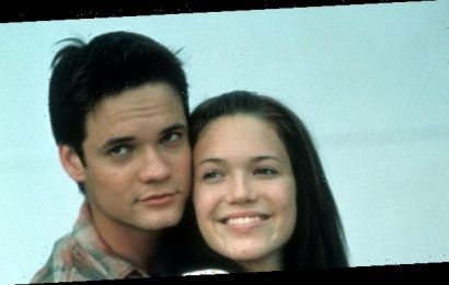 """Mandy Moore Gave a Rare Performance of """"Only Hope"""" From A Walk to Remember"""