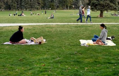 Denver temporarily prohibits drinking alcohol in parks due to coronavirus