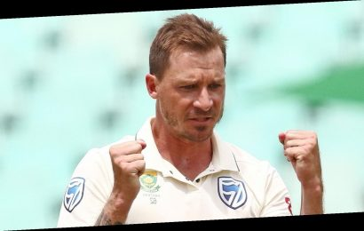 Virtual Test – Nasser Hussain vs Rob Key: Dale Steyn puts Key in charge but Shane Warne is now starring