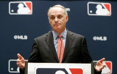 MLB season in doubt amid owners, players money fight