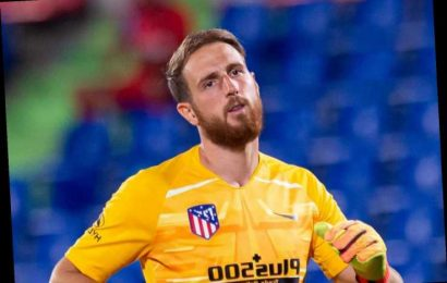Man Utd and Chelsea warned off Oblak transfer as Atletico chief insists 'best keeper in world' has contract at Madrid