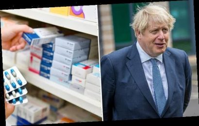 Ministers tell drug firms to stockpile amid No Deal Brexit fears