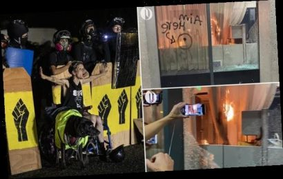 Portland Government office set on fire after mob smash windows
