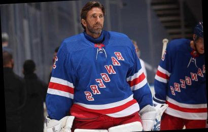 Henrik Lundqvist's Rangers future hazy after 'personal discussion'