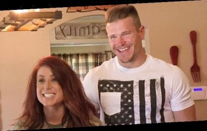 Chelsea Houska Reveals What Inspired Cole DeBoer's Shirtless Workouts For 75-Day Fitness Challenge
