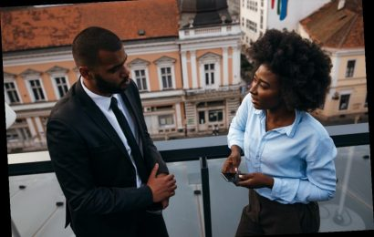If You Hooked Up With A Co-Worker & Now It's Awkward, Here's What To Do
