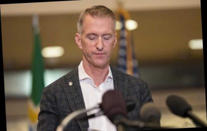 Portland Mayor Ted Wheeler moving to avoid rioters targeting his home