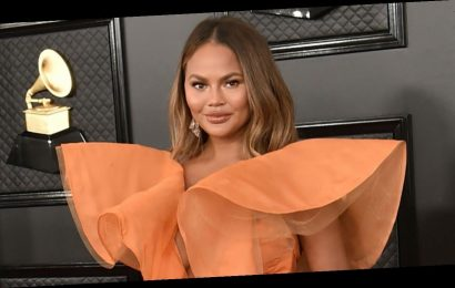 Pregnant Chrissy Teigen Got a 'Huge Clot' After Blood Transfusions