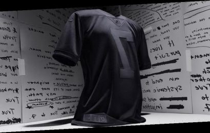 """Colin Kaepernick's Nike """"True to 7"""" Jersey Sells Out in Under a Minute"""