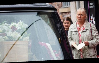 Coronation Street residents gather for surprise funeral after body discovered