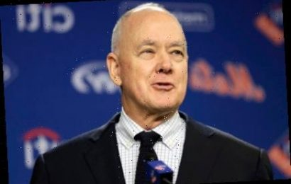 Mets surprise gives Sandy Alderson chance to rewrite legacy