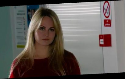 Coronation Street fans distracted by Sarah Platt's 'mega tight' leather trousers