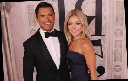 Kelly Ripa unveils her family's holiday card: 'See ya 2020'