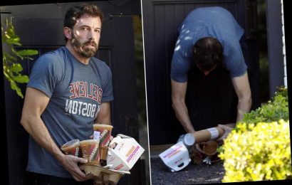 Ben Affleck and his Dunkin' Donuts sum up 2020