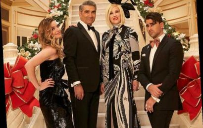 25 'Schitt's Creek' Quotes For Holiday Captions, Because Bébé, It's Cold Outside