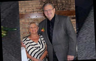 How a haircut led to COVID-19 deaths of Chicago couple