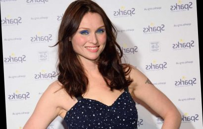 How old is Sophie Ellis-Bextor and who is she married to?