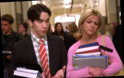 Justin Long Says Britney Spears 'Immediately Made Me Feel Comfortable' on Set of Crossroads