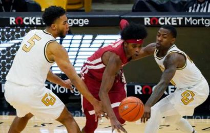Horne, Wright help Colorado hold off Washington State, 70-58 – The Denver Post