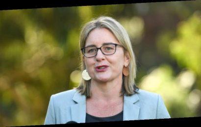 Victoria won't budge on hotel quarantine for returned travellers