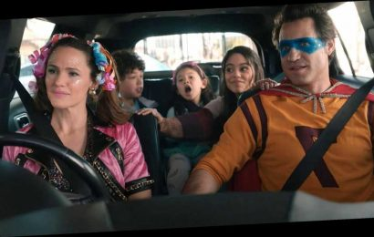 'Yes Day' Review: Jennifer Garner and Édgar Ramírez Are Fun, Frazzled Parents in Netflix Family Comedy