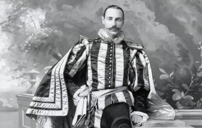 John Jacob Astor IV was one of the richest men in the world when he died on the Titanic. Here's a look at the life of the multi-millionaire.