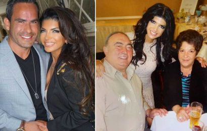 Psychic tells Teresa Giudice her parents approve of boyfriend