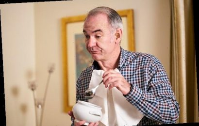 Paul Ritter Dies: 'Friday Night Dinner' & 'Chernobyl' Star Was 54