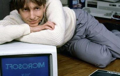 Bill Gates 'asked out women who worked for him at Microsoft'