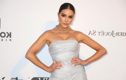 Channel Olivia Culpo's Adorable Fuzzy Slipper Look With Amazon StyleSnap