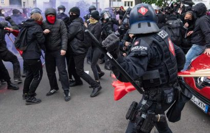 Over 50 officers injured, 250 people detained in Berlin May Day riots