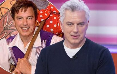 John Barrowman pulls out of Snow White And The Seven Dwarfs pantomime