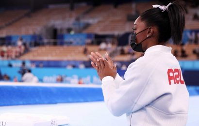Athletes, fans wish Simone Biles well on Twitter after gymnastics star withdraws from Olympic team final