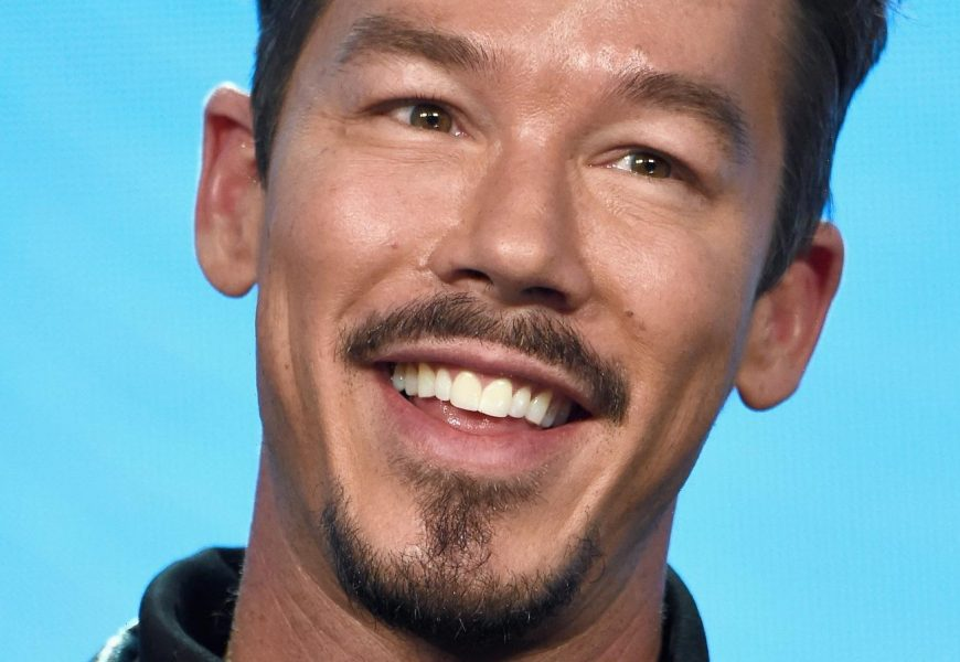 David Bromstad On My Lottery Dream Home And His Best Home-Buying Tips – Exclusive Interview