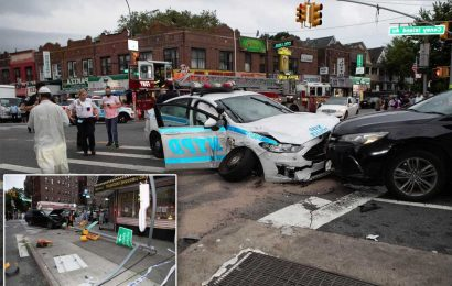 Driver with illegal lights and sirens hits NYPD car, injuring 3