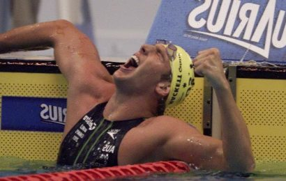 From the Archives, 2001: Grant Hackett dons the distance crown