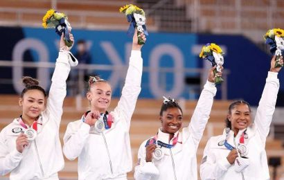 Simone Biles Praises Teammates After Olympics Withdrawal: 'They Stepped Up'
