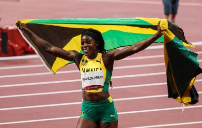 Elaine Thompson-Herah wins her second gold, this time in the 200 meters.