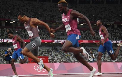 Erriyon Knighton, 17, places fourth in the 200 but jumps on fast track