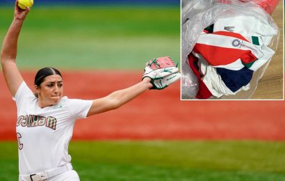 Mexican softball pitcher apologizes for team trashing jerseys