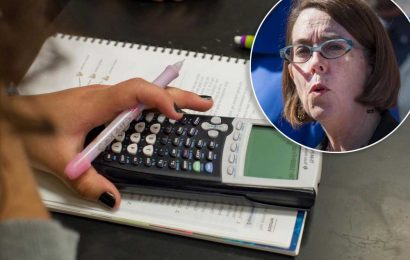 Oregon gov signs bill suspending math, reading requirements for HS grads