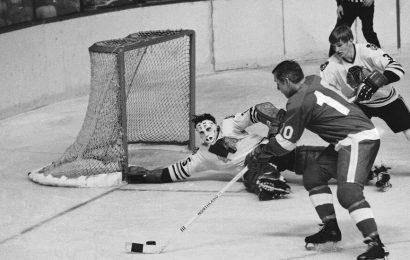 Tony Esposito, Hockey Hall of Famer, Dies at 78