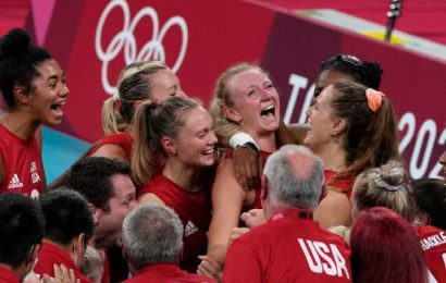 U.S. women win first Olympic gold medal in volleyball, including Coloradans Jordyn Poulter and Haleigh Washington – The Denver Post