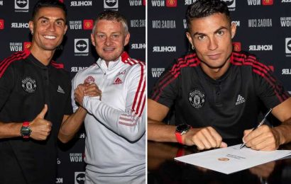 Cristiano Ronaldo signs his Man Utd contract as returning hero vows to take Red Devils 'back where they deserve to be'