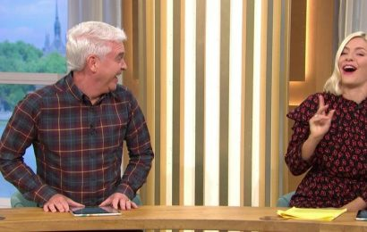 Holly Willoughby red-faced as she's caught out in 'dogging' slip-up by Phillip