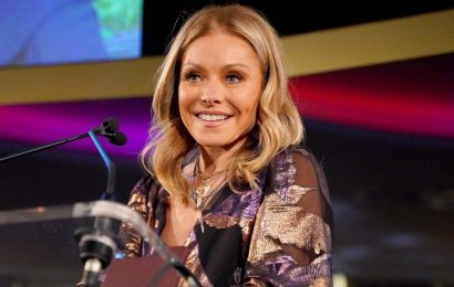 Kelly Ripa Claps Back at Fan Questioning 'Younger' Look in New Photo