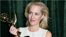 Watch Gillian Anderson React to Reporter Asking If She Spoke to Margaret Thatcher About 'The Crown' Role (Video)