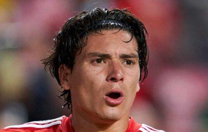 Man City 'edging Man Utd, Liverpool & Chelsea' in transfer battle for Benfica's Darwin Nunez… who destroyed Barcelona