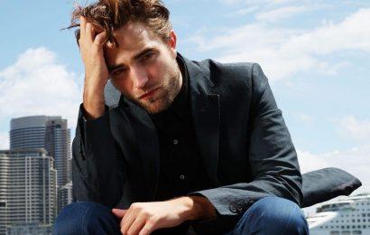 'The Batman' Fans Are Losing It Over Robert Pattinson's 'Sexy' Batman Voice
